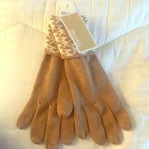 One size MK brand new gloves